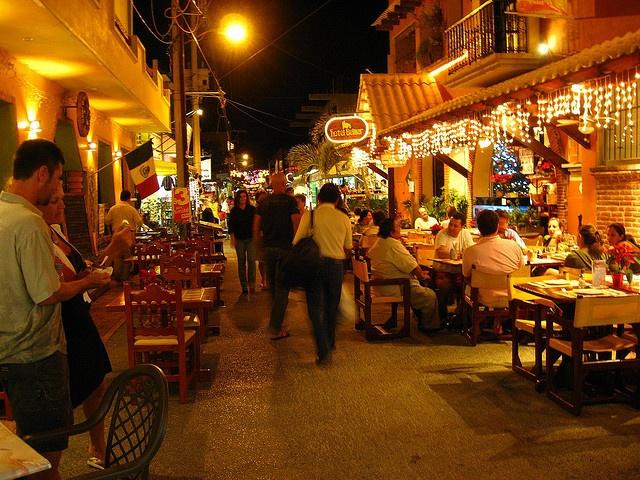 Isla Mujeres vida nocturna