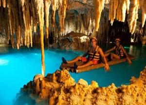 Balsas del parque Xplor en Cancún
