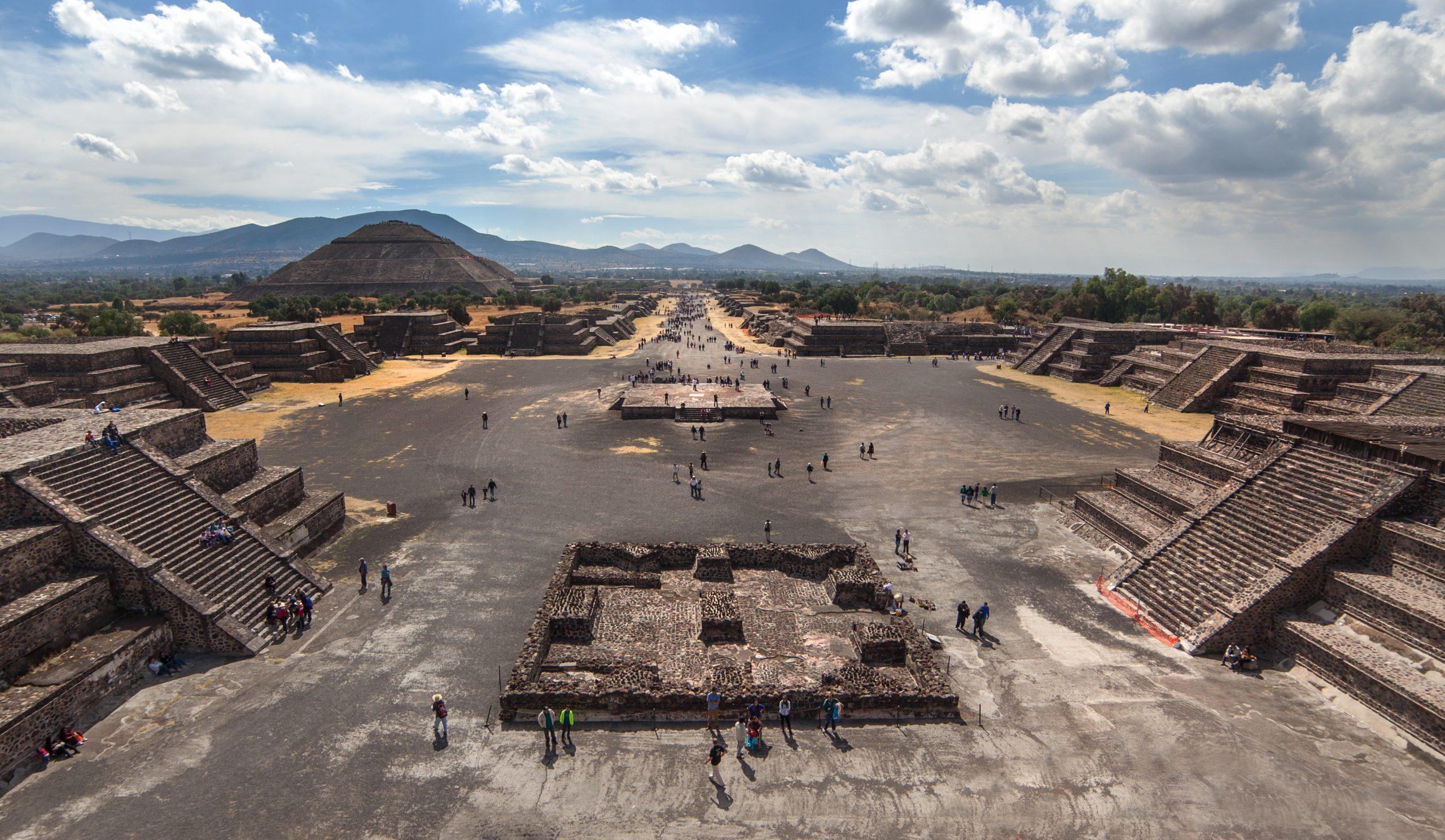 Visitando la Ciudad prehispánica de Teotihuacán