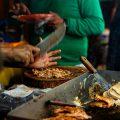 Puesto de comida en Parque de las Palapas en Cancún