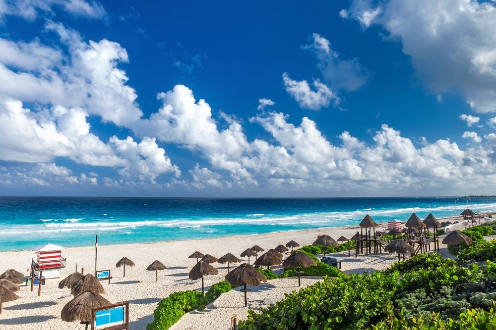 Playa Delfines y Cancún Spot