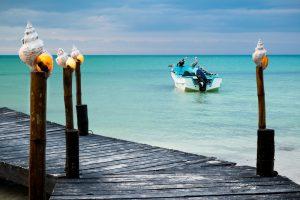 Lancha en la Isla Holbox