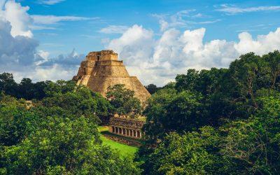 Ruinas arqueológicas en la Península del Yucatán, México