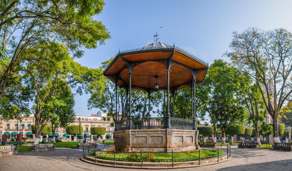La Plaza de Armas de Morelia en Michoacán