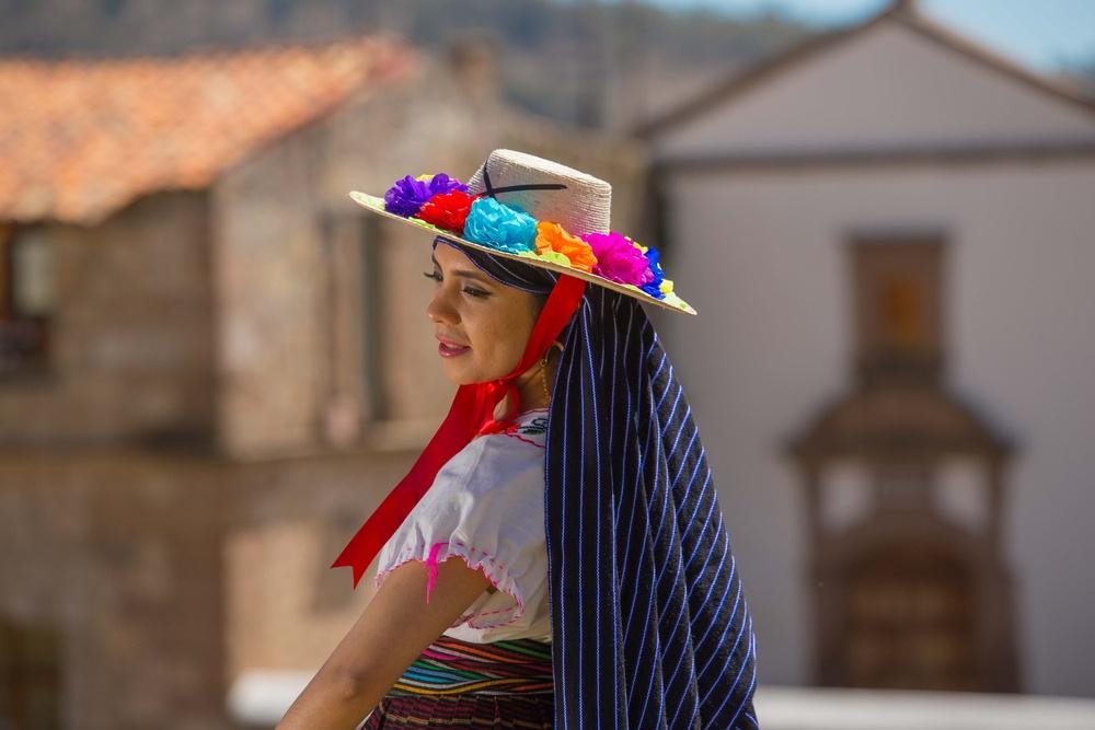 Mujer en festival de Morelia