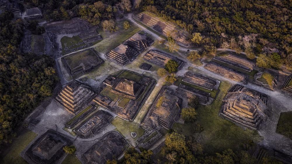 Vista de pájaro pirámides El Tajín