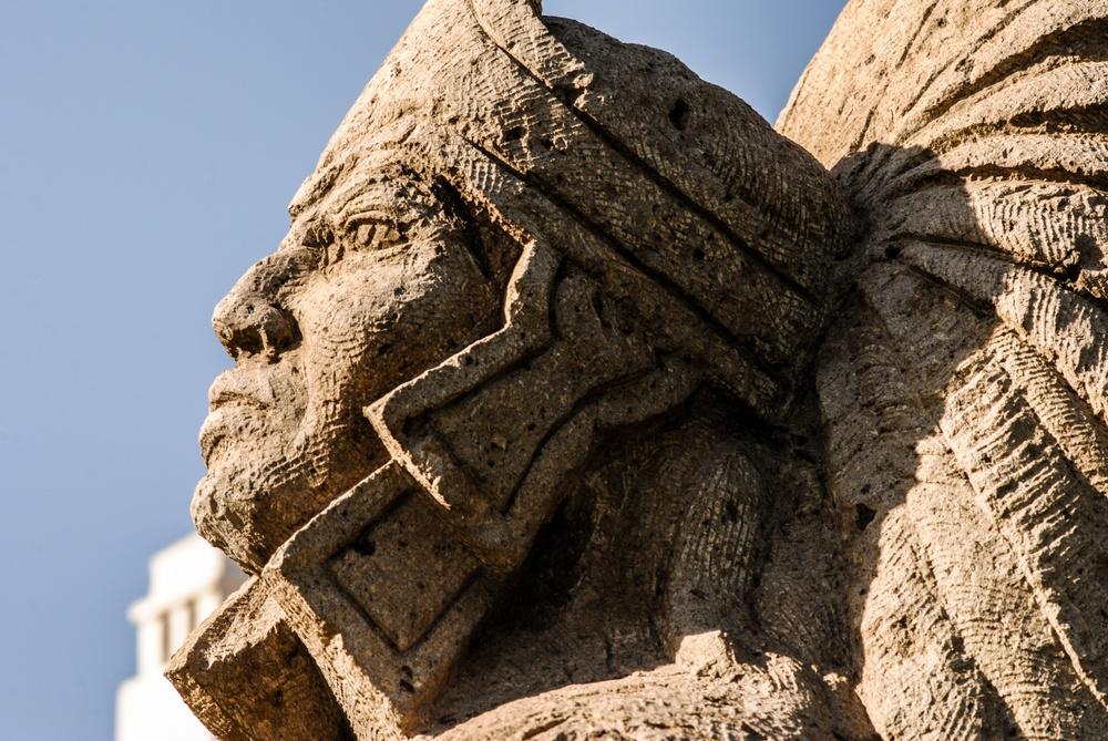 Escultura antigua cultura azteca