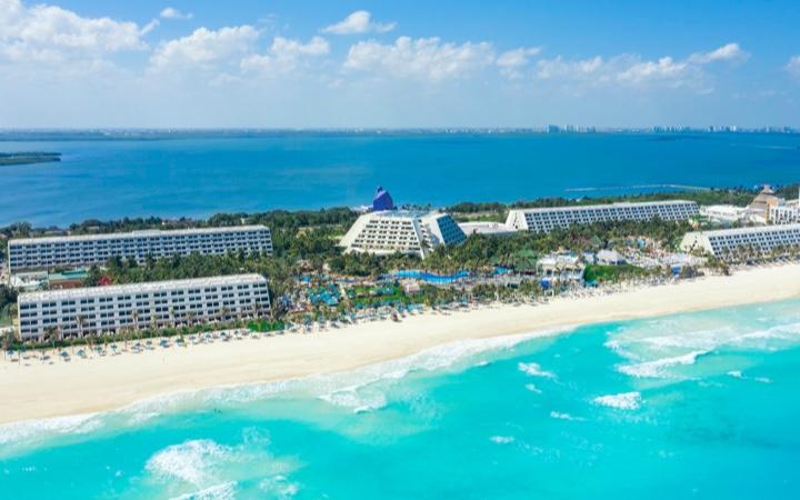 Vista de hotel Grand Oasis Cancun