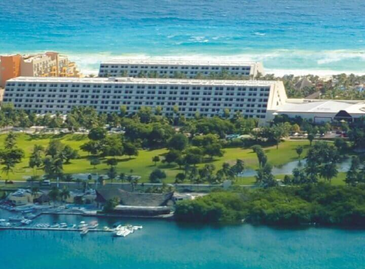Vista de hotel Oasis Cancun Lite