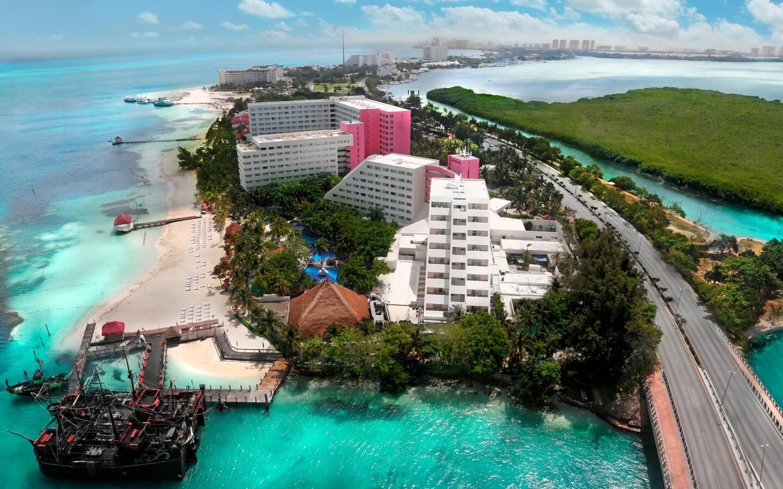 Vista de hotel Oasis Palm